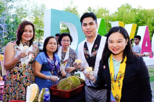Councilor Marissa Abella, Bureau of Plant Industry Center Chief Dr. Lorna Herradura, Department of Science and Technology Assistant Regional Director Elisa Mae Solidum, SM Supermalls Group Brand Manager Aron Dalaza, and SM Lanang Premier Mall Manager Mary Therese Lapena-Manalo at the opening of SM Lanang Premier's Kadayawan Durian Festival 2017.